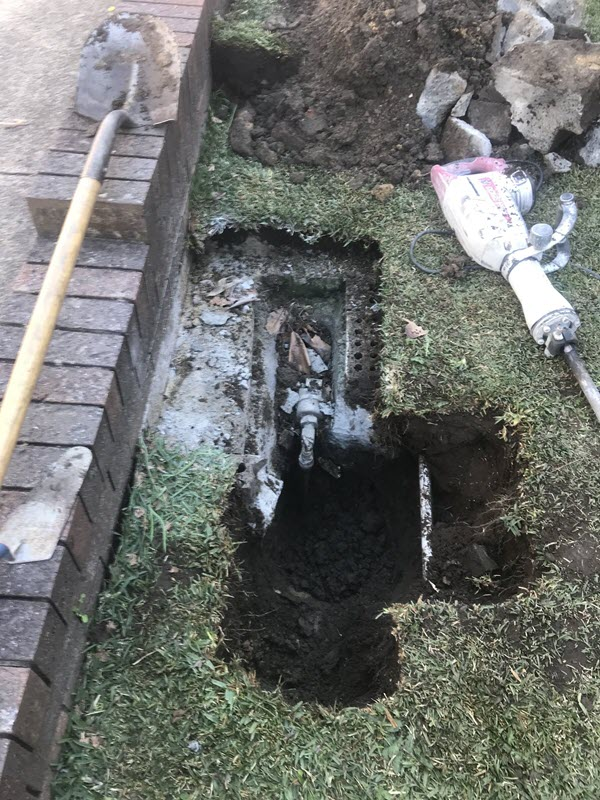 Excavating around the non-compliant watermeter